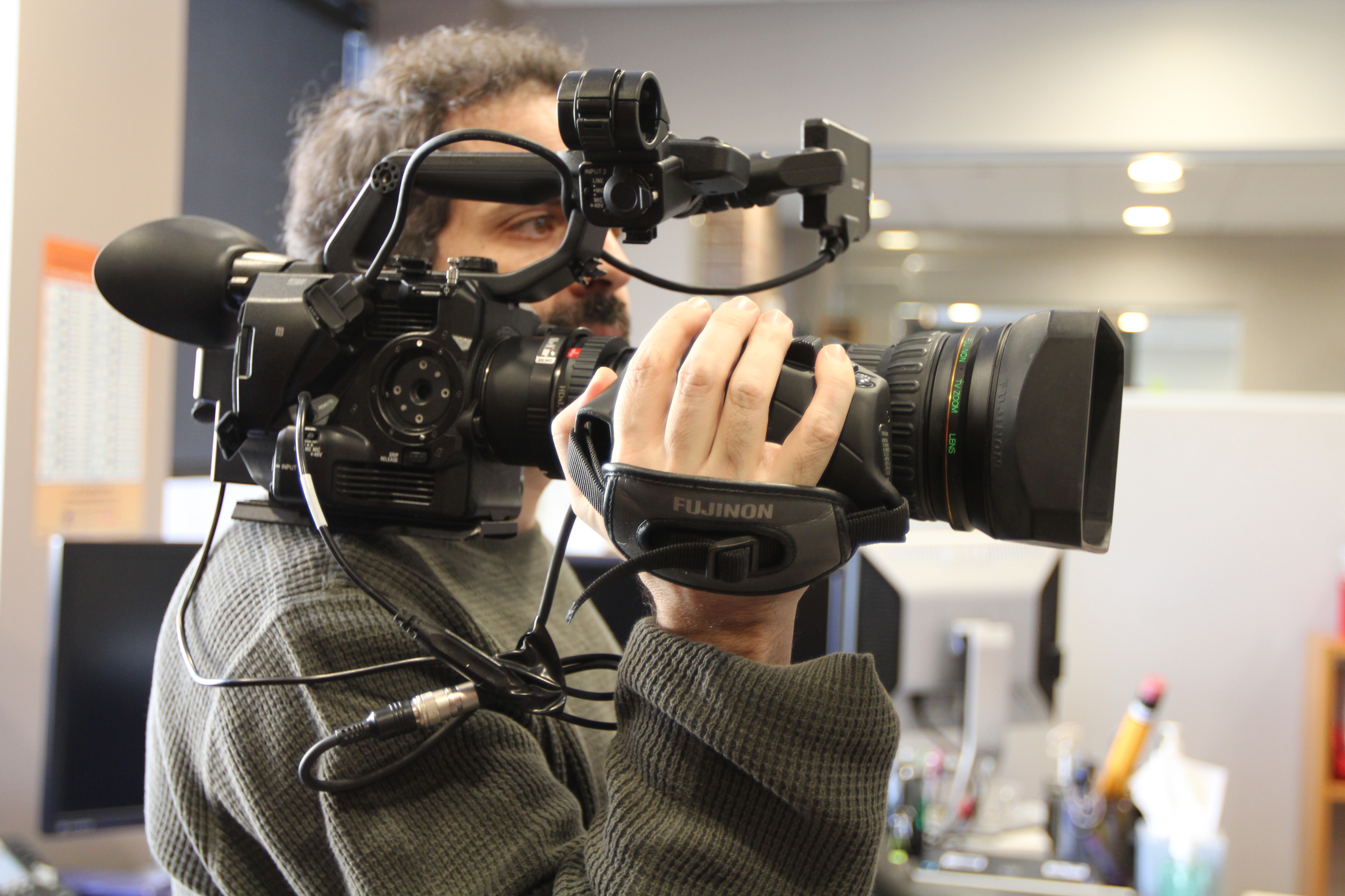 Enabling a 68x Zoom Range on Sony FS5 with Cameo LANC Cable