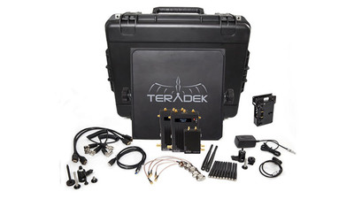 Teradek Bolt Pro 3000 SDI/HDMI Wireless Video Transceiver Deluxe Kit with Dual Receivers - Gold Mount