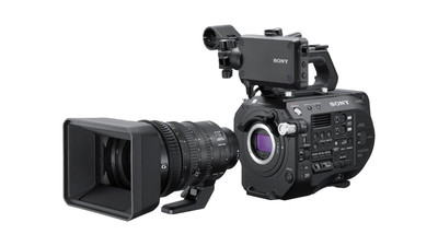 Sony PXW-FS7 Mark II 4K XDCAM Super 35mm Camera Kit with 18-110mm Lens - E Mount