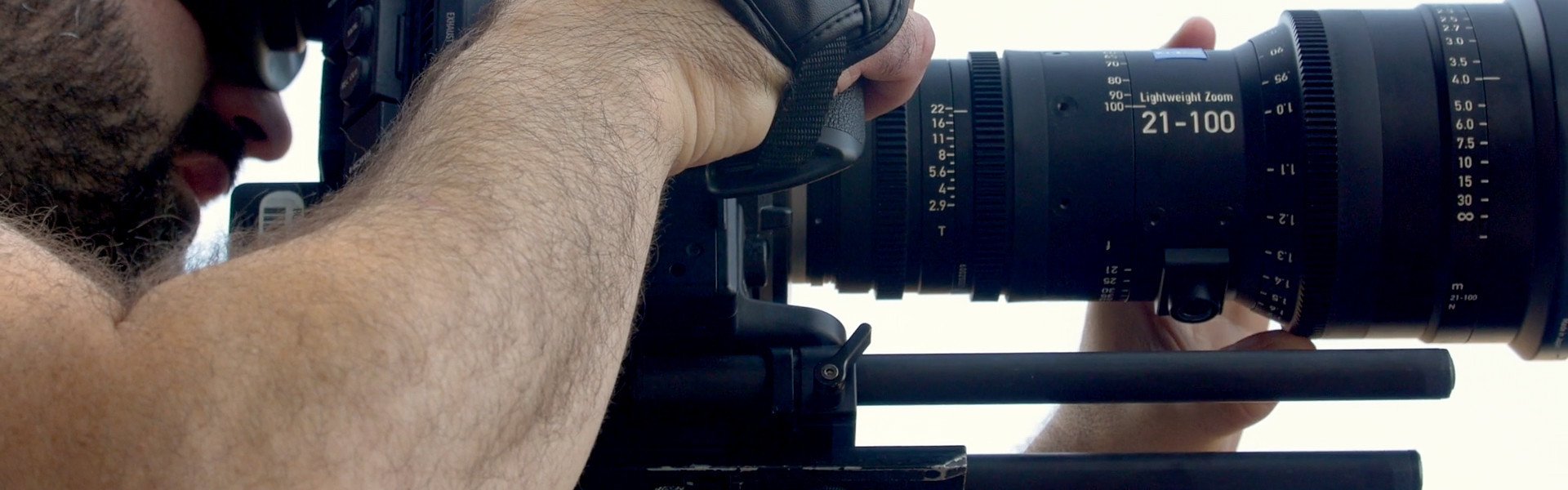 Header image for article At the Bench: Zeiss LWZ.3 21-100 Lightweight Zoom