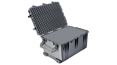 Pelican 1660 Large Case with Foam - Black